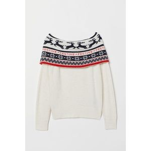 Ships Today!  Festive sweater
